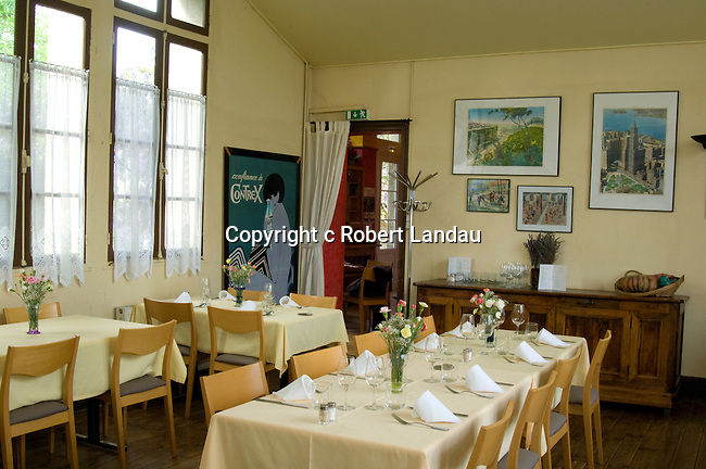 The dining room of the restaurant La Recreation in Les Arques, France