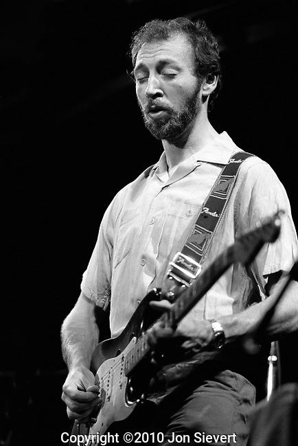 Richard Thompson, June 6, 1982, San Francisco, British songwriter, guitar player and recording and performing musician. Highly regarded for his guitar techniques,  <br /> Thompson made his debut as a recording artist as a member of Fairport Convention in September 1967. He continues to write and record new material and performs live frequently throughout Canada, the United States, Europe and Australia.