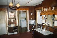 1990 December..Conservation.Ballentine Place..BEFORE REHAB.2648 MCKANN AVENUE.INTERIOR.LIVING ROOM LOOKING TOWARD KITCHEN.OWNER: MARY HUNTER...NEG#.NRHA#..