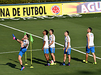 BARRANQUILLA - COLOMBIA – 21 – 03 - 2017: James Rodriguez, Juan G. Cuadrado, Stephan Medina, Santiago Arias y Daniel Torres, jugadores de la Selección Colombia, durante entreno en el estadio Metropolitano Roberto Melendez. El equipo colombiano se prepara en Barranquilla para el partido contra la selección de Bolivia el 23 de marzo, partido clasificatorio a la Copa Mundial de la FIFA Rusia 2018. / James Rodriguez, Juan G. Cuadrado, Stephan Medina, Santiago Arias y Daniel Torres, Colombia national team players, during a training at the Metropolinano Roberto Melendez Stadium. Colombia team prepares for the match against Bolivia team on March 23, qualifying for the FIFA World Cup Russia 2018.  Photo: VizzorImage / Luis Ramirez/ Staff.
