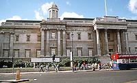 London: Trafalgar Square, National Gallery. Photo '90.