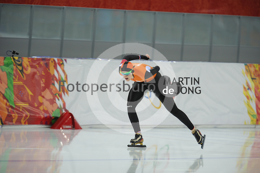 OLYMPICS: SOCHI: Adler Arena, 16-02-2014, Ladies' 1500m, Lotte van Beek (NED), ©photo Martin de Jong