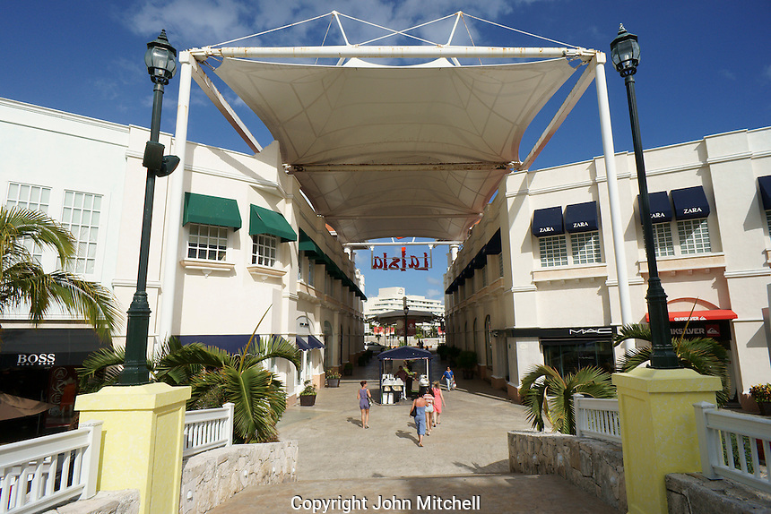 Interior and entrance, La Isla Shopping Village mall in the Zona Hotelera, Cancun, Quintana Roo, Mexico.
