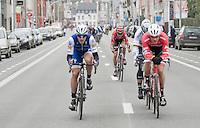 Tiesj Benoot (BEL/Lotto-Soudal) makes the jump from the peloton to the breakaway group that includes Peter Sagan (SVK/Bora-Hansgrohe), Jasper Stuyven (BEL/Trek-Segafredo) &amp; Matteo Trentin (ITA/QuickStep)<br /> <br /> 69th Kuurne-Brussel-Kuurne 2017 (1.HC)