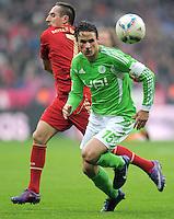 FUSSBALL   1. BUNDESLIGA  SAISON 2011/2012   19. Spieltag FC Bayern Muenchen - VfL Wolfsburg      28.01.2012 Franck Ribery (li, FC Bayern Muenchen) gegen Christian Traesch (VfL Wolfsburg)