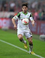 FUSSBALL  DFB-POKAL  HALBFINALE  SAISON 2012/2013    FC Bayern Muenchen - VfL Wolfsburg            16.04.2013 Diego (VfL Wolfsburg)  Einzelaktion am Ball