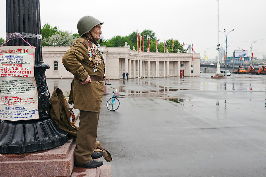 Moscow, Russia, 09/05/2012..An army veteran waits for celebrations to begin as Russian World War Two veterans and well-wishers gather in Gorky Park during the countrys annual Victory Day celebrations.