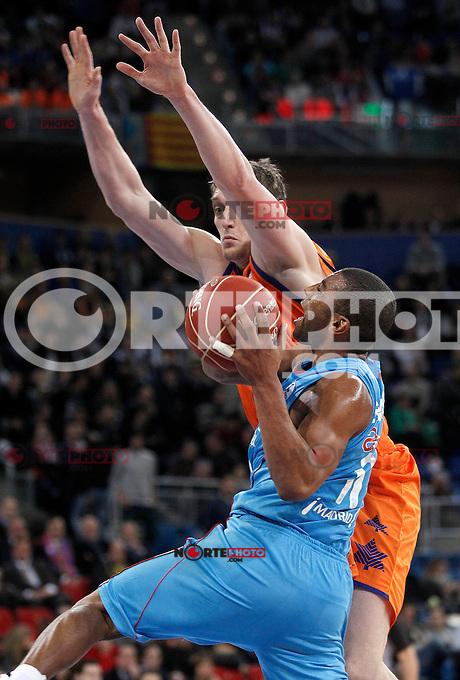 Valencia Basket Club's Serhiy Lishchuk (r) and Asefa Estudiantes' Jayson Granger during Spanish Basketball King's Cup match.February 07,2013. (ALTERPHOTOS/Acero) /NortePhoto