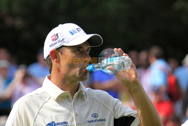 Padraig Harrington cools down on the 12th greenduring Round 2 of the BMW PGA Championship at  Wentworth, Surrey, England...Photo Golffile/Eoin Clarke.(Photo credit should read Eoin Clarke www.golffile.ie)....This Picture has been sent you under the condtions enclosed by:.Newsfile Ltd..The Studio,.Millmount Abbey,.Drogheda,.Co Meath..Ireland..Tel: +353(0)41-9871240.Fax: +353(0)41-9871260.GSM: +353(0)86-2500958.email: pictures@newsfile.ie.www.newsfile.ie.