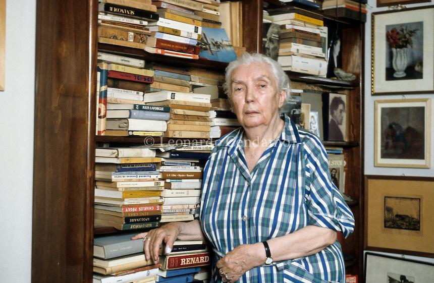 Graziella Romano, detta Lalla (Demonte, 11 novembre 1906 - Milano, 26 giugno 2001), è stata una poetessa, scrittrice, giornalista e aforista italiana. Milano, 1996. © Leonardo Cendamo