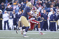 Annapolis, MD - December 3, 2016: Temple Owls wide receiver Ventell Bryant (1) runs the ball during game between Temple and Navy at  Navy-Marine Corps Memorial Stadium in Annapolis, MD.   (Photo by Elliott Brown/Media Images International)