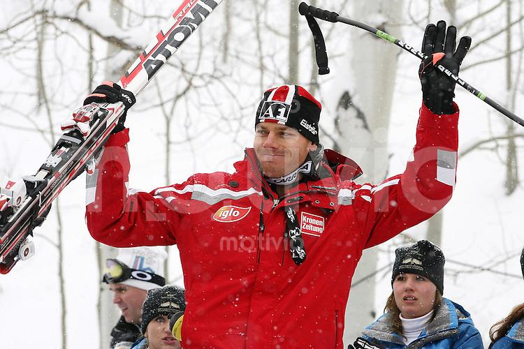 Ski Alpin; Saison 2006/2007  Abfahrt Herren JUBEL, Michael Walchhofer (AUT) belegt Platz 5.