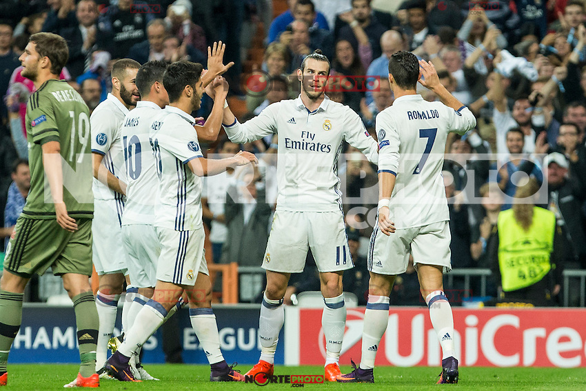 Real Madrid's Garet Bale Real Madrid's Karim Benzema Real Madrid's Cristiano Ronaldo during the match of UEFA Champions League group stage between Real Madrid and Legia de Varsovia at Santiago Bernabeu Stadium in Madrid, Spain. October 18, 2016. (ALTERPHOTOS/Rodrigo Jimenez) /NORTEPHOTO.COM