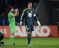 FUSSBALL   1. BUNDESLIGA  SAISON 2012/2013   3. Spieltag FC Augsburg - VfL Wolfsburg           14.09.2012 Diego und Torwart Diego Benaglio (v. li., VfL Wolfsburg)