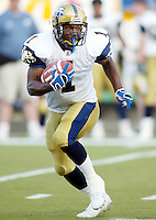 Charless Roberts Winnipeg Blue Bombers running back 2003. Copyright photograph Scott Grant