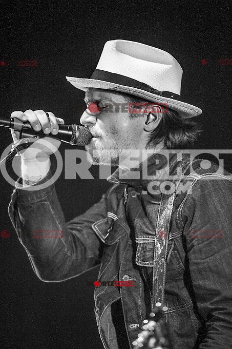 Needtobreathe en concierto en el House of Blues en Boston, MA. 17 de abril 2012.<br /> http://www.youtube.com/watch?v=RC7YR11gRUQ&amp;feature=relmfu<br />  Foto:&copy;Rocco S. Coviello / Mediapunchinc/NortePhoto.com*)<br /> **SOLO*VENTA*EN*MEXICO*