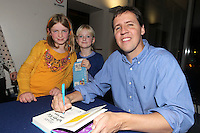 NO FEE PICTURES.29/11/11 Jeff Kinney, author of Wimpy Kids books with fans Kayleigh Bingham and Amy Webb, in Dublin to celebrate the launch of Diary of a Wimpy Kid: Cabin Fever at a one off event held at Liberty Hall Theatre in association with Eason. Pictures:Arthur Carron/Collins