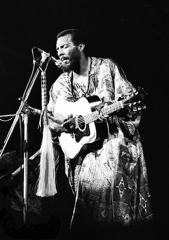 Ritchie Havens performing in 1972. Credit: Ian Dickson/MediaPunch
