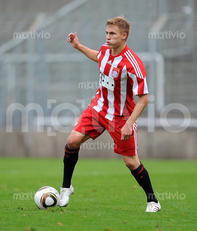 FUSSBALL 3. BUNDESLIGA  10. Spieltag    SAISON 2010/2011   FC Bayern Muenchen II - VfB Stuttgart II    26.09.2010 Max Dombrowka (FC Bayern II)