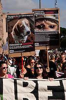 Roma 25 Settembre 2010.Manifestazione contro la direttiva europea sulla vivisezione,e per chiudere Green Hill (l'azienda bresciana che alleva beagle) e tutti gli allevamenti di animali destinati ai laboratori»