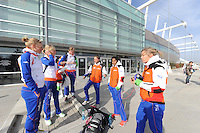 SCHAATSEN: SALT LAKE CITY: Utah Olympic Oval, 14-11-2013, Essent ISU World Cup, training, Linda de Vries (NED), Annouk van der Weijden (NED), Lotte van Beek (NED), Johan de Wit (trainer/coach) Team Project 2018), Anice Das (NED), Manon Kamminga (NED), ©foto Martin de Jong