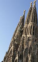 Bell towers; Tree of Life; Mathias the Apostle, Nativity façade, La Sagrada Familia, Roman Catholic basilica, Barcelona, Catalonia, Spain, built by Antoni Gaudí (Reus 1852 ? Barcelona 1926) from 1883 to his death. Still incomplete. Picture by Manuel Cohen
