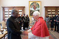 Pope Benedict XVI welcomes Suriname president Runaldo Ronald Venetiaan during their meeting at the Vatican, 20 November 2009