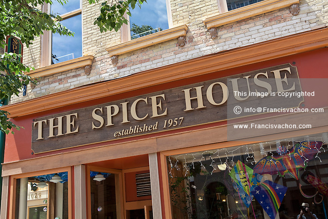 The Spice House is an instituion and a great place to find special gifts for any occasion. And mailing is offered for out of town friends. My grandfather used to buy all of his spices here for his sausage making.5/ Yelp reviews.