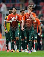 FUSSBALL   1. BUNDESLIGA   SAISON 2011/2012   29. SPIELTAG 1. FC Koeln - SV Werder Bremen                           07.04.2012 Claudio Pizarro (li) und Markus Rosenberg (re, beide SV Werder Bremen) sind nach dem Abpfiff enttaeuscht