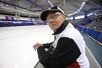 SCHAATSEN: CALGARY: Olympic Oval, 08-11-2013, Essent ISU World Cup, Wim den Elsen (trainer/coach KIA Speed Skating Academy), ©foto Martin de Jong