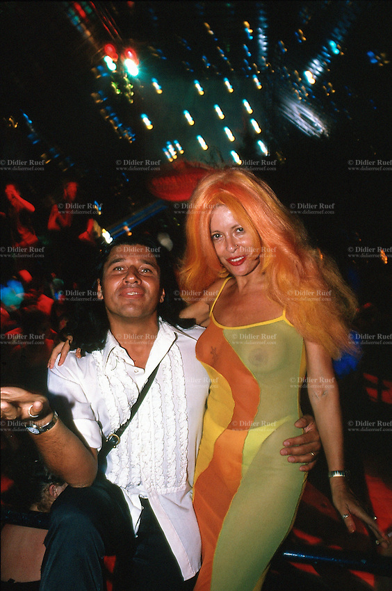 Spain. Ibiza in the Balearic islands. Ibiza. Night life. Disco Amnesia. A fashionable couple. © 1999 Didier Ruef