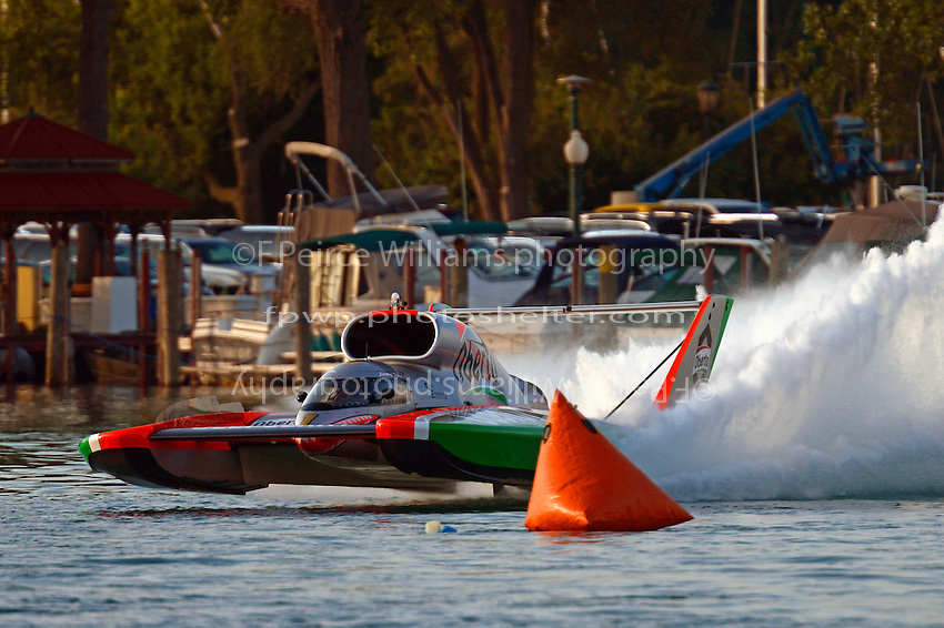 "Jimmy Shane, U-1 ""Oberto""  (Unlimited Hydroplane)"