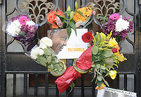 DEC 6 Tributes Left to Nelson Mandela