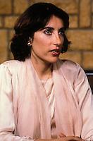 Karachi, Pakistan  1986.Benazir Bhutto (1953-2007) nella sua casa di Karaci dopo che è uscita di prigione..Benazir Bhutto (1953-2007) at his house in Karachi after it is released from jail.