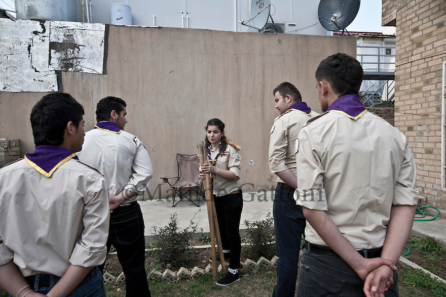 Iraq - Kurdistan - Ankawa -  Christian scouts training in the garden of the Chaldoassyrian Student and Youth Union