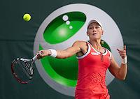 Samantha STOSUR (AUS) against Jelena JANKOVIC (SRB) in the third round of the women's singles. Sam Stosur beat Jelena Janovic 6-1 7-6..International Tennis - 2010 ATP World Tour - Sony Ericsson Open - Crandon Park Tennis Center - Key Biscayne - Miami - Florida - USA - Mon 29th Mar 2010..© Frey - Amn Images, Level 1, Barry House, 20-22 Worple Road, London, SW19 4DH, UK .Tel - +44 20 8947 0100.Fax -+44 20 8947 0117