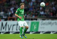 FUSSBALL   1. BUNDESLIGA   SAISON 2011/2012   TESTSPIEL SV Werder Bremen - FC Everton                 02.08.2011 Philipp BARGFREDE  (SV Werder Bremen) Einzelaktion am Ball