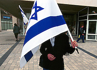 2002.02.03 Israeli nationalist demanding more action against Palestinians. Jerusalem, Israel.