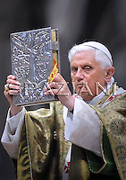 Bishops' Synod,Benedict XVI mass in St. Peter's Basilica at the Vatican. Oct. 26, 2008