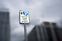 LB00004-00...WASHINGTON - Pay for parking in Seattle.
