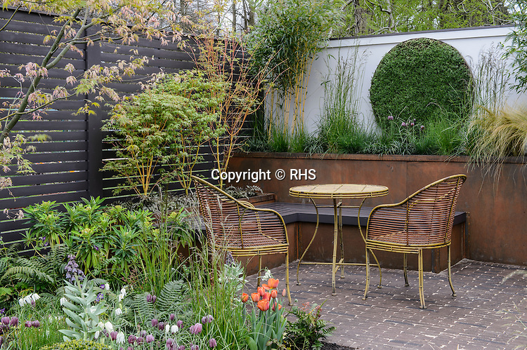 Alfresco Gallery Garden. Designed by Paul Melvin. RHS Flower Show Cardiff 2016.