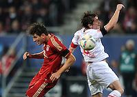 FUSSBALL   1. BUNDESLIGA  SAISON 2011/2012   12. Spieltag FC Augsburg - FC Bayern Muenchen         06.11.2011 Mario Gomez (li, FC Bayern Muenchen) gegen Paul Verhaegh (FC Augsburg)