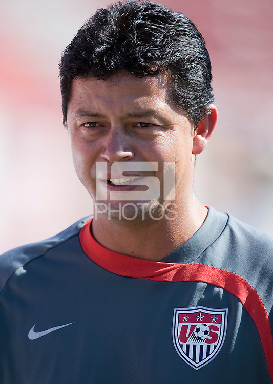 Head Coach Wilmer Cabrera at training before the 2009 CONCACAF Under-17 Championship From April 21-May 2 in Tijuana, Mexico