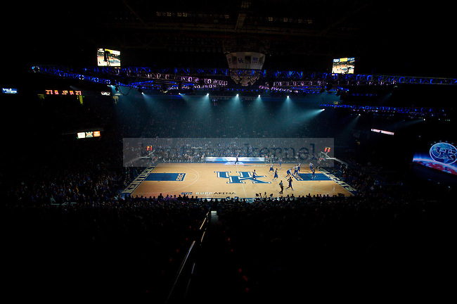 The men's basketball team scrimmages during Big Blue Madness on Oct., 16, 2009 in Rupp Arena...Photo by Ed Matthews