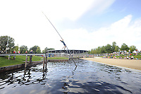 FIERLJEPPEN: HEERENVEEN: 01-09-2016, eerste wedstrijd nieuwe fierljepschans , ©foto Martin de Jong