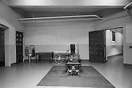 Osening, New York. Sing Sing Prison, November 1970. The electric chair. In the room of the electric chair was also the stretcher on the wheel to carry the body from the chair to the enfermery after the execution. The first part of the prison opened in 1828.