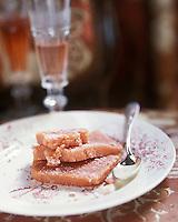 Europe/France/Champagne-Ardenne/51/Marne/Ay: Gateau au biscuit rose de Reims - Maison de champagne Deutz