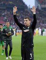 Fussball  1. Bundesliga  Saison 2013/2014  8. Spieltag VfB Stuttgart - SV Werder Bremen     05.10.2013 Schlussjubel SV Werder Bremen; Torwart Sebastian Mielitz, mit Dank an die Fans nach dem Spiel