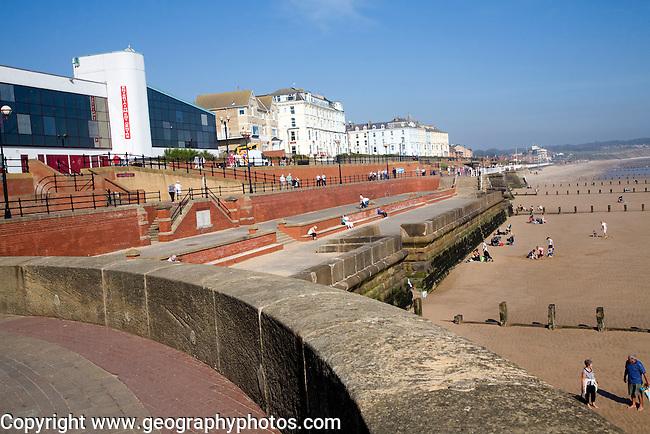 Seafront promenade, hotels, sea wall, beach, Bridlington, Yorkshire ...: geographyphotos.photoshelter.com/image/I0000xZjTFp2E7js