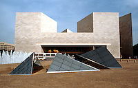 I.M.Pei: Washington, D.C. National Gallery, East Building.